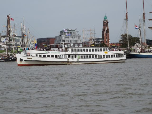 Personenfähre Oceana in Bremerhaven